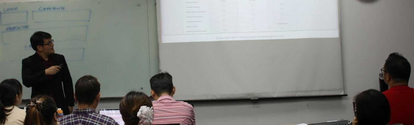 Jonathan Seet conducting a class